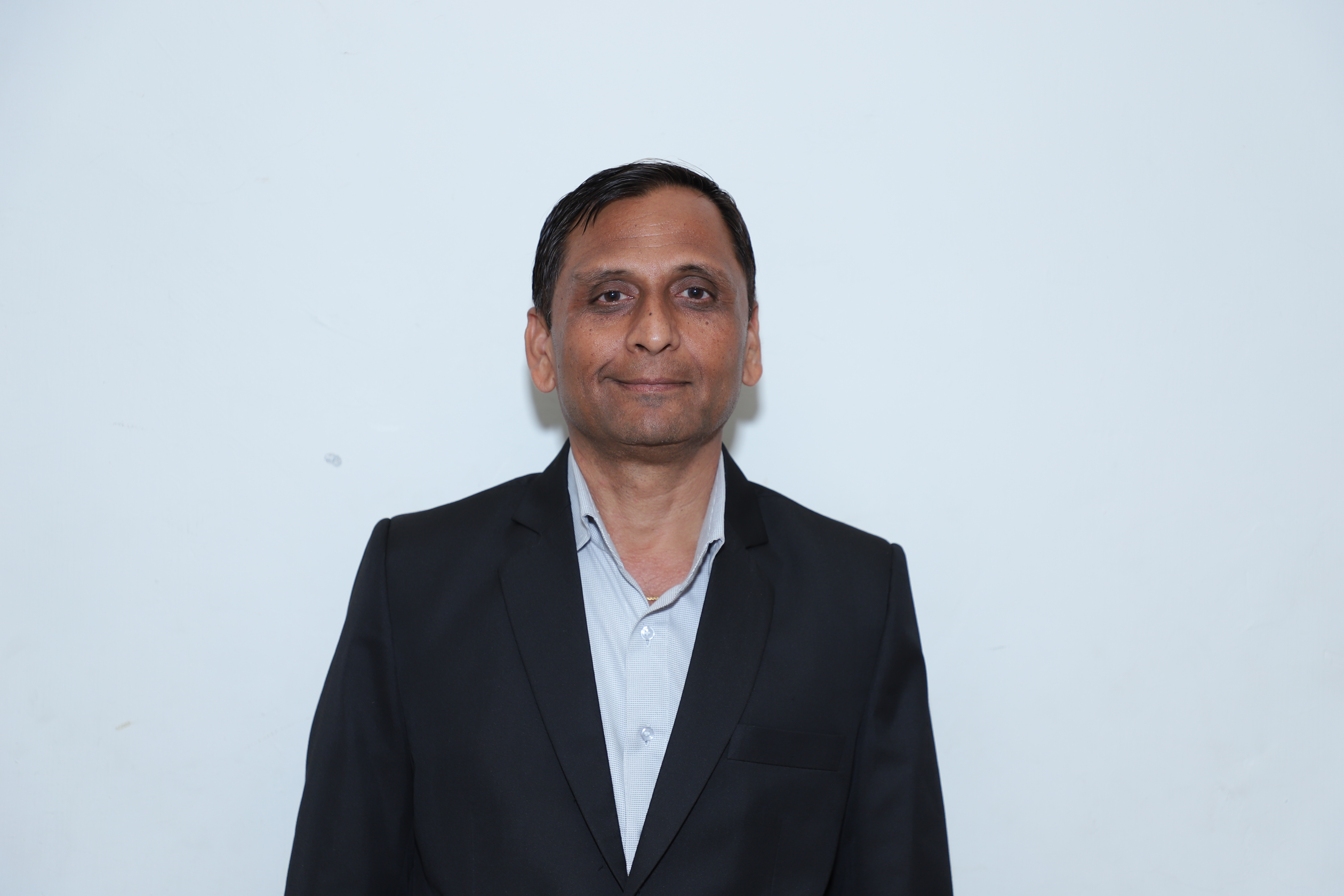 Dr. Manoj Gundalia